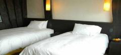 Remota - Bedroom