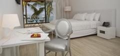 Golden Bay Galapagos Hotel - Accommodation