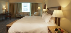 Belmond Miraflores Park - Junrio Deluxe Suite Bedroom